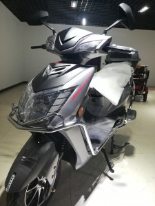 The Latest Electric Motorcycle /Scooter 1200W 60V Electric bicycle